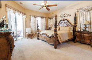 Queen size luxury bedroom set for Sale in West Palm Beach, FL