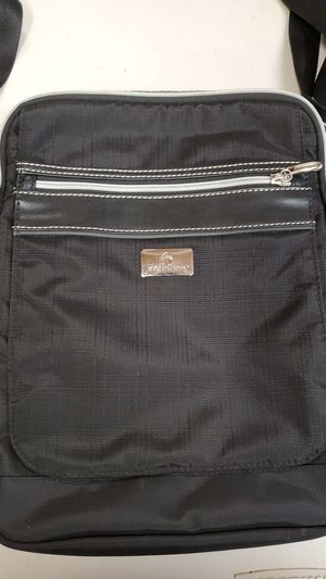 Eagle creek messenger bag for Sale in Port Orchard, WA