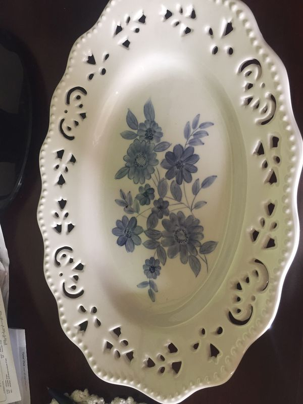 Plates, decorative home interiors