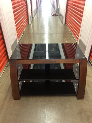 Nice tv stand $85 for Sale in Gaithersburg, MD