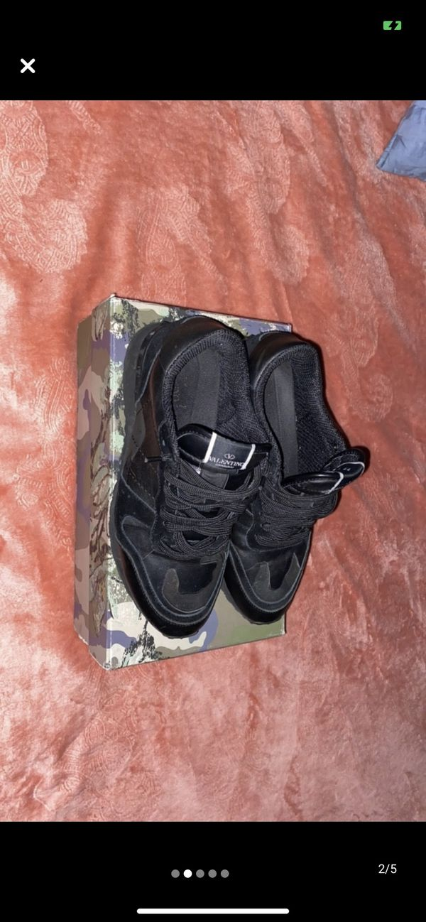 Authentic Valentino Garavani Noir Rockrunners Size 11