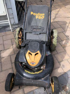 Poulan Pro lawn mower 21 inch for Sale in Bloomfield, NJ