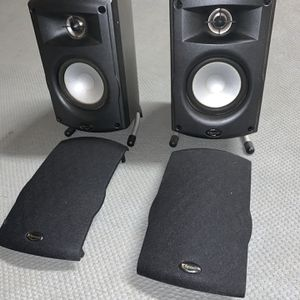 Klipsch Bookshelf Speakers (pair) for Sale in Bakersfield, CA