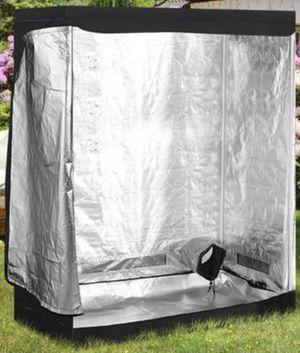 "48""x28""72"" Mylar indoor grow tent room for Sale in Holly, MI"