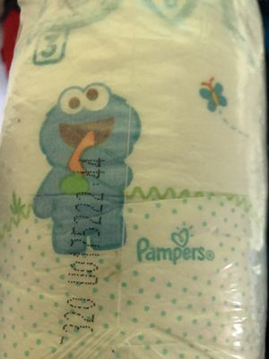 Pampers diapers size 3 for Sale in Des Plaines, IL
