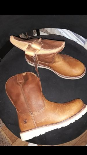 Brand NEW Mens Work Pull up Cowboy boots Botas ARIAT Size 10 for Sale in Scottsdale, AZ
