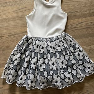 MISS BEHAVE GIRLS BLACK AND WHITE DRESS SIZE 16 for Sale in Villa Park, CA