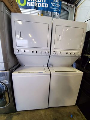 Kenmore Stackable Unit Washer And Dryer for Sale in Glendale, CA