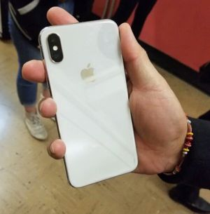 IPHONE X UNLOCKED OR PAY 27$ DOWN NO CREDIT NEEDED for Sale in Houston, TX