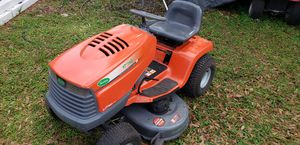 Grass tractor for Sale in Kissimmee, FL