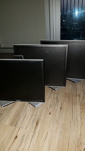 Lot of 5 Monitors for Sale in Tampa, FL