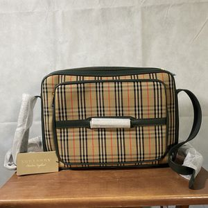 BURBERRY - The 1983 Checkered Messenger Bag for Sale in San Diego, CA