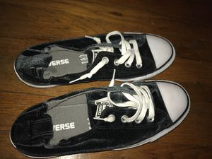 Black velvet converse for Sale in Gambrills, MD