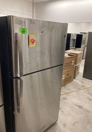 GE Refrigerator 🥶 GTE22JSNBRSS 21.9 cu MFV for Sale in Whittier, CA
