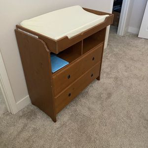 Changing table for Sale in Lake Forest, CA
