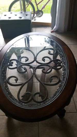 Antique table cofee,Brawn color. for Sale in Hollywood, FL