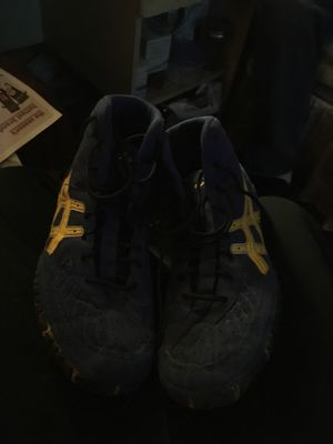 ASICS wrestling shoes size 9 for Sale in Prineville, OR