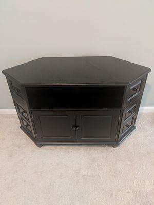 Corner TV console for Sale in Gainesville, GA