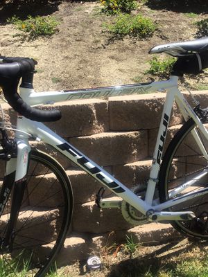 Fuji road bike roubaix 2.0 carbon FC-770 Altair 2 custombutted alloy cm 58 height for Sale in Chula Vista, CA