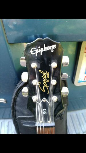 Electric Gautier with Case. for Sale in Clayton, NC