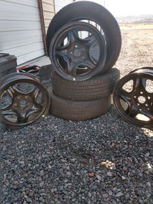 Continental tires plus rims 225/ 65 R16 for Sale in Medford, OR