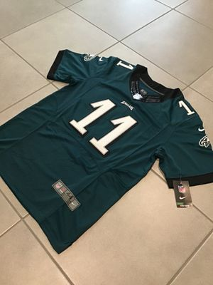 Brand New Carson Wentz #11 Philadelphia Eagles Green Men's Jersey Size Medium for Sale in Queen Creek, AZ