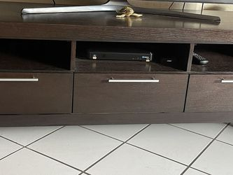"TV stand Up To 75"" Television for Sale in Hialeah, FL"