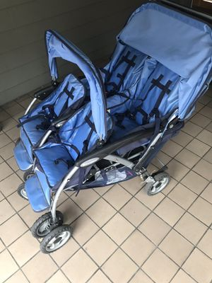 Foundations four child stroller for Sale in Seattle, WA