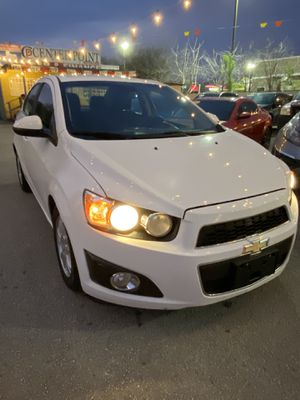 2012 Chevy sonic for Sale in San Antonio, TX