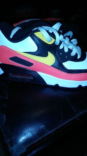 Black red yellow and white Nike Air Max 90 6y for Sale in Conway, AR