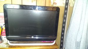 Windows 7 hp with keyboard also for Sale in New Haven, CT