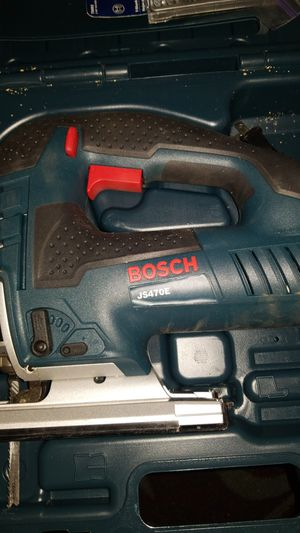 BOSCH Jig Saw with 18 blades JS470E for Sale in San Diego, CA