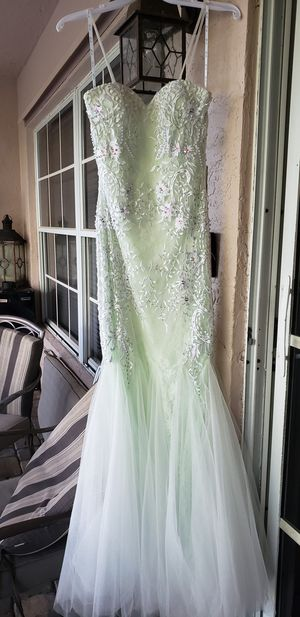 Pale mint green and ivory formal/prom dress for Sale in Coral Springs, FL