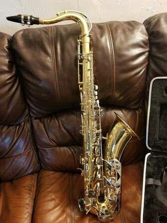 Selmer Bundy BTS-300 Tenor Saxophone