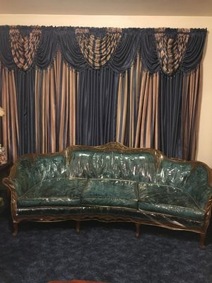 Antique style sofa w/ two accent high back chairs for Sale in Jersey City, NJ