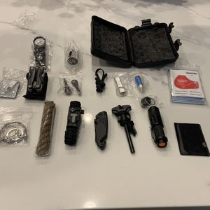Ultimate Survival Kit - Brand New In Case for Sale in Paradise Valley, AZ