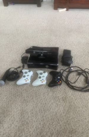 Xbox 360 console and controllers for Sale in Paeonian Springs, VA