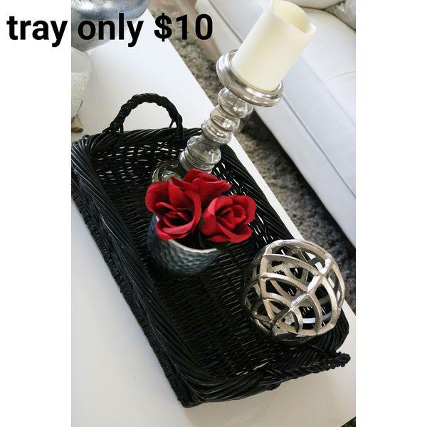 Wicker tray (no decor)