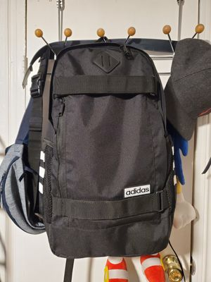 new Adidas skateboarding backpack fits a 17 inch laptop for Sale in Canyon Lake, CA
