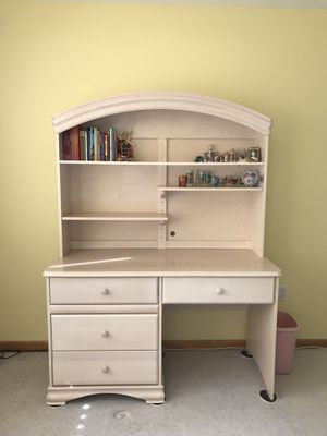 Solid White Oak Desk & Chair for Sale in Norristown, PA