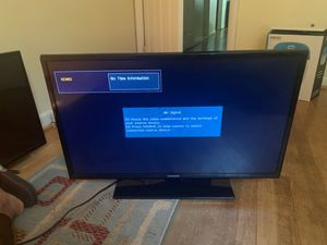 32 inch TV . Excellent condition . for Sale in Fort Washington, MD
