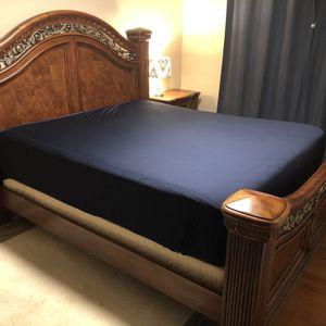 Cali King Bedroom Set for Sale in Everett, WA