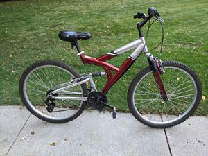 18 speed mountain bike for Sale in Cleveland, OH