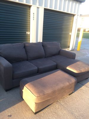 Sectional couch with Ottoman Free Delivery 🚚 for Sale in Katy, TX