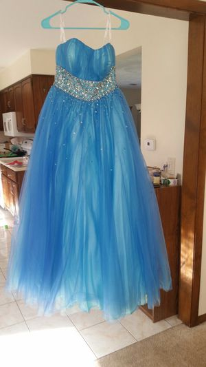 Prom dress for Sale in Youngstown, NY