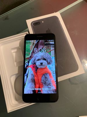 Great condition iPhone 7 + bigger size plus unlocked use all SIM cards clear esn can be used America or other countries 128gb memory for Sale in San Diego, CA