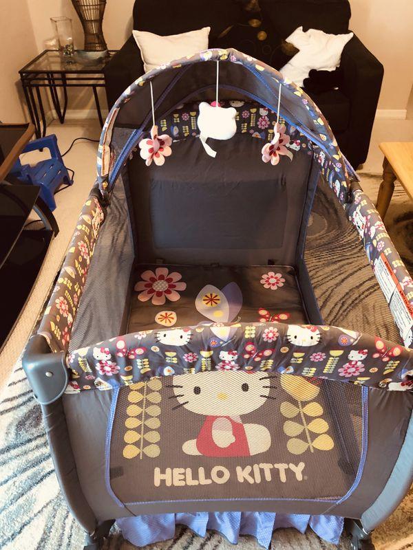 Hello Kitty playpen