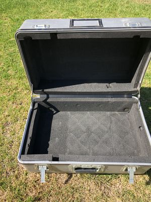 Hard Shell Case with Padding Inside 15x12x24 for Sale in Rancho Cucamonga, CA