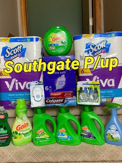 Gain Bundle With Air Freshner 27oz (not 16.9), Febreze Plug Double And 6pack Kleenex 3-ply for Sale in Southgate,  MI