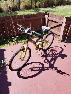 Mongoose mountain bike for Sale in Winter Haven, FL